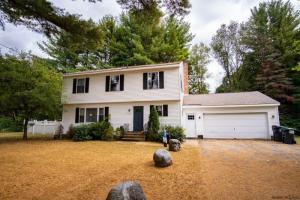 33 Jones Rd, Saratoga Springs, NY 12866-5710
