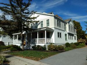 153 Grand Av, Saratoga Springs, NY 12866