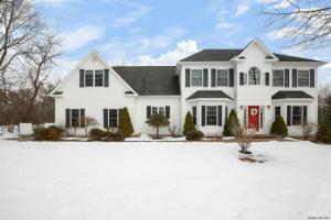 18 Rebecca Dr, Middle Grove, NY 12850