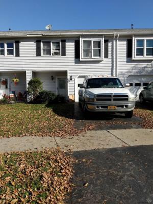 18 Club House Dr, Saratoga Springs, NY 12866