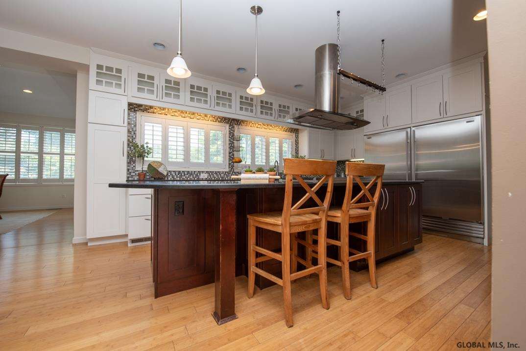 3 Oregon Trl In Clifton Park Ny Listed For 3 450 00 By
