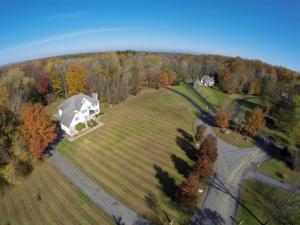 9 Staulters Farm Rd, Ballston Spa, NY 12020