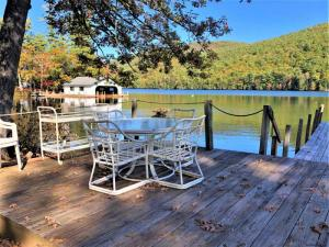 2035 Camp Andrews Way, Lake George, NY 12844