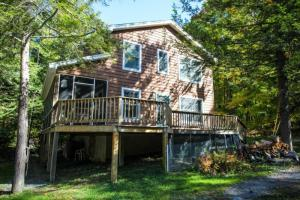 5120 Bluff Head Rd, Huletts Landing, NY 12835