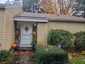 8 Loudonwood Dr East, Loudonville, NY 12211-1463