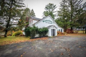 3230 Route 9n, Greenfield Center, NY 12833-1805