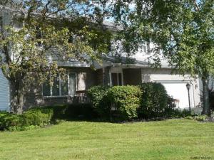 8 Winchester Pl, Loudonville, NY 12211