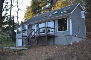 2 East Cove Rd, Saratoga Springs, NY 12866-7414