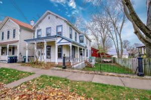 142 Woodlawn Av, Saratoga Springs, NY 12866-1524
