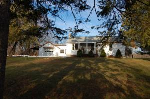 75 English Rd, Round Lake, NY 12151