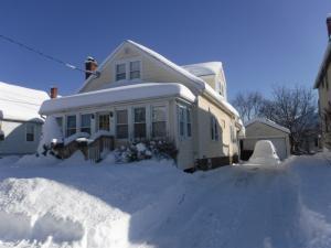 15 Weymouth St, Colonie, NY 12205-3440