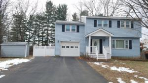 2 Michael Dr, Saratoga Springs, NY 12866