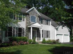 6002 Queen Mary Ct, Schenectady, NY 12303