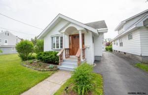 1630 Woolsey St, Schenectady, NY 12303