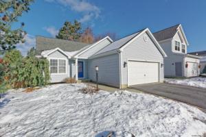 31 Glenmore Av, Saratoga Springs, NY 12866