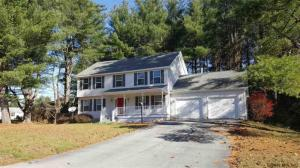 4 Round Table Rd, Saratoga Springs, NY 12866