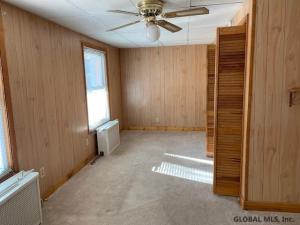 909 Oakwood Av, Schenectady, NY