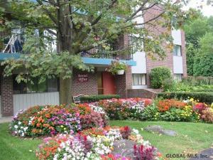 151 Jefferson St, Saratoga Springs, NY 12866
