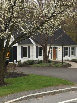 498 Albany Shaker Rd, Loudonville, NY 12211-1554