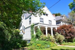 22 Hawthorne Av, Troy, NY