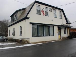 55 Iroquois St, Lake George, NY 12845