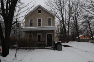 708 Vale Pl, Schenectady, NY 12304