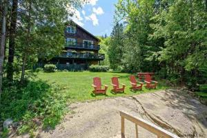 32 Astor Dr, Schroon Lake, NY 12870