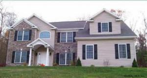 13 Buff Rd, Saratoga Springs, NY 12866