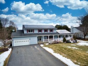 233 Long Meadow La, Schenectady, NY 12306-6704