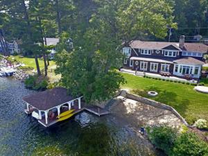 7 Garrett La, Lake George, NY 12845