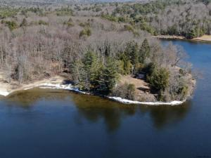 5051 Hermit Point Rd, Galway, NY 12074