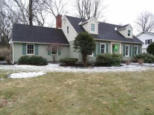 15 Maplewood Dr, Queensbury, NY 12804