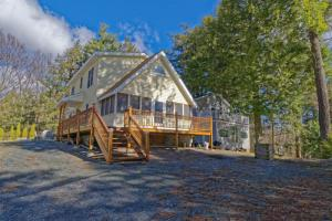 23 N Shore Rd, Petersburgh, NY 12138