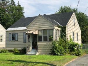 32 Highland Av, Colonie, NY 12205