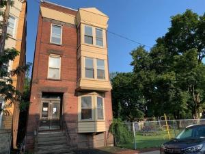 325 3rd St, Troy, NY 12180