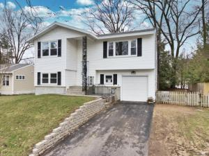 29 Northway Ct, Saratoga Springs, NY 12866