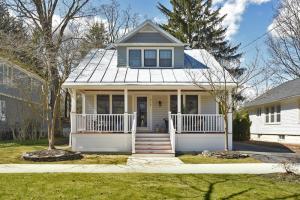 217 East Av, Saratoga Springs, NY 12866