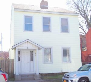 618 1st Av, North Troy, NY 12182-2538