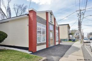 846 Eastern Av, Schenectady, NY 12308