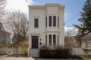 245-247 Allen St, Hudson, NY 12534