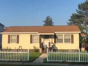 44 S Franklin St, Saratoga Springs, NY 12866