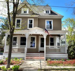 43 Grove Av, Glens Falls, NY 12801