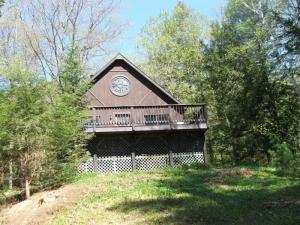 591 Beaver Pond Rd, Brant Lake, NY 12815