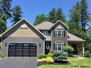 41 Waterview Dr, Saratoga Springs, NY 12866