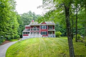49 Loughberry Lake Rd, Saratoga Springs, NY 12866-9999
