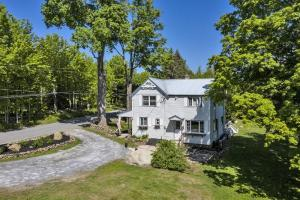 321 Gailey Hill Rd, Lake Luzerne, NY 12846