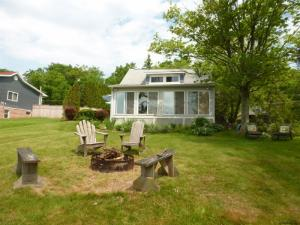 8424 Mariaville Rd, Pattersonville, NY 12137