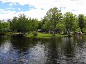 728 South Shore Rd, Caroga Lake, NY 12032