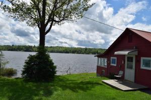 493 Adirondack Lake Rd, Indian Lake, NY 12842