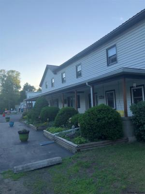 208 Mohawk Dr, Tribes Hill, NY 12177-7705